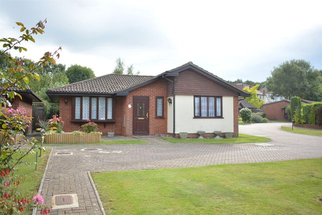 Thumbnail Detached bungalow to rent in Oakmead Green, Epsom