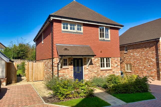 3 bed semi-detached house to rent in Coppice End, Crowborough TN6