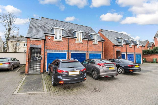 Thumbnail Detached house for sale in Campriano Drive, Warwick