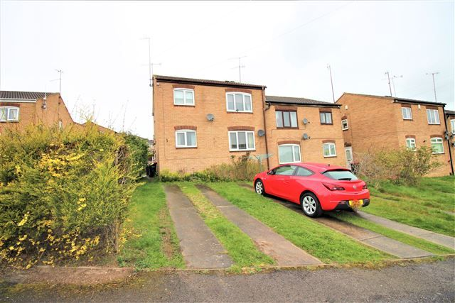 Thumbnail Flat to rent in Hoveringham Court, Swallownest, Sheffield