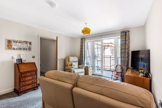 Thumbnail Property for sale in The Retreat, Princes Risborough