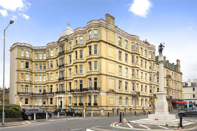 Thumbnail Flat for sale in Grand Avenue Mansions, Hove, East Sussex
