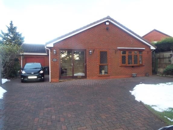 Thumbnail Bungalow for sale in Saredon Road, Cheslyn Hay, Walsall, West Midlands