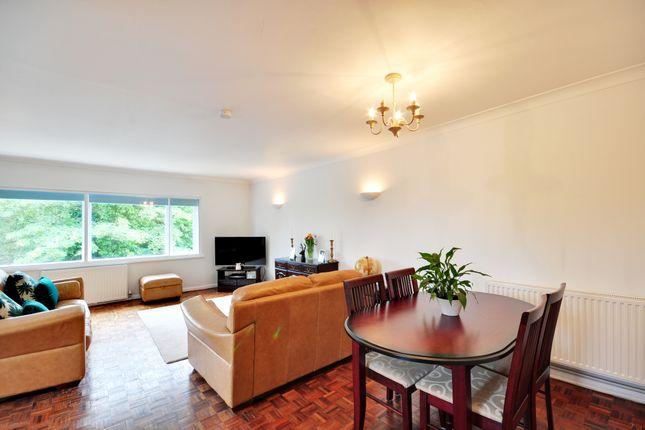 Maisonette to rent in Uxbridge Road, Mill End, Rickmansworth, Hertfordshire