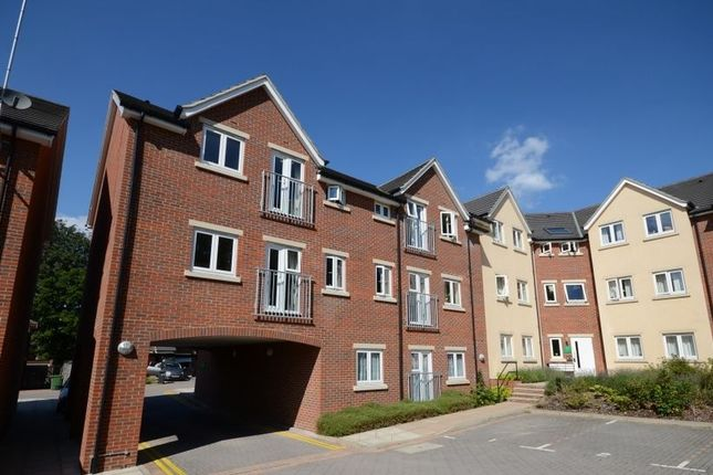 Flat to rent in Cromwell Road, Camberley
