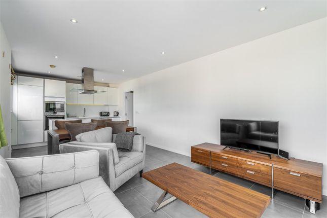 Thumbnail Flat for sale in Rosler Building, Ewer Street, Southwark, London