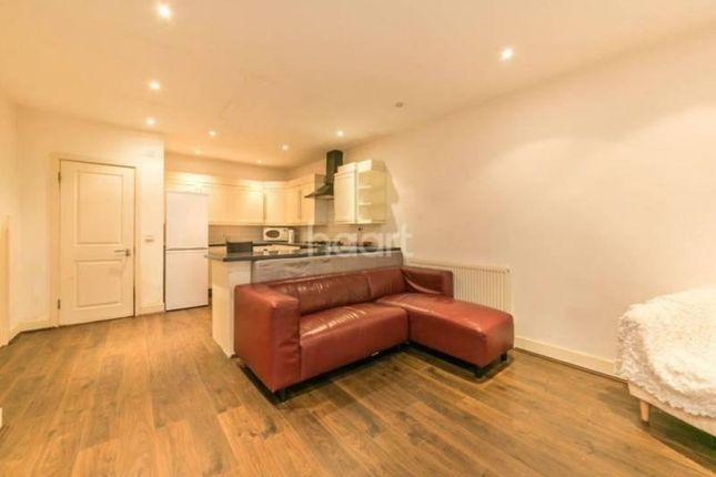 Thumbnail Shared accommodation to rent in Tower Bridge Road, Southwark