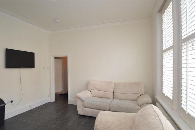 Flat to rent in Putney High Street, Flat A, London