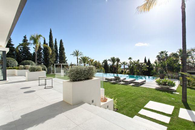 Thumbnail Villa for sale in Las Chapas, Marbella East, Malaga, Spain