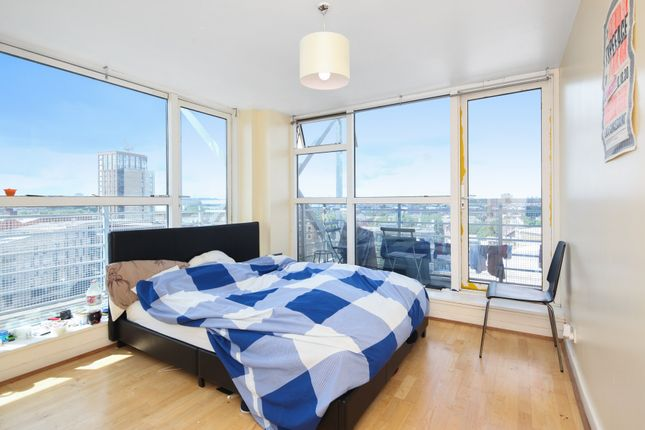 Thumbnail Flat to rent in Baltic Quay, Surrey Quays, London