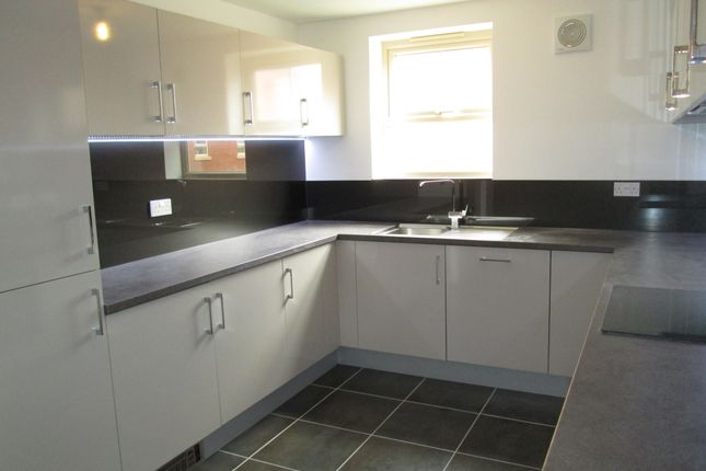 Thumbnail Town house for sale in Parkers Fold, Pontefract