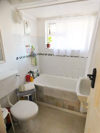 Bathroom of Green Street, Eastbourne BN21