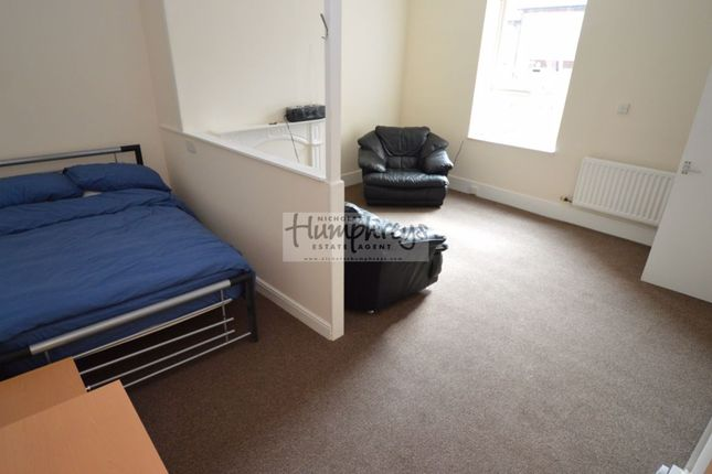 Thumbnail Maisonette to rent in Warkworth Crescent, Newburn, Newcastle Upon Tyne