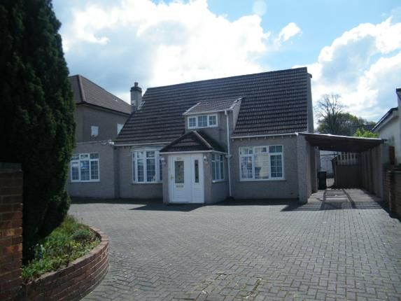 Thumbnail Bungalow for sale in Wickham Road, Shirley, Croydon
