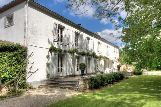 5 bed property for sale in Cognac, Poitou-Charentes, France