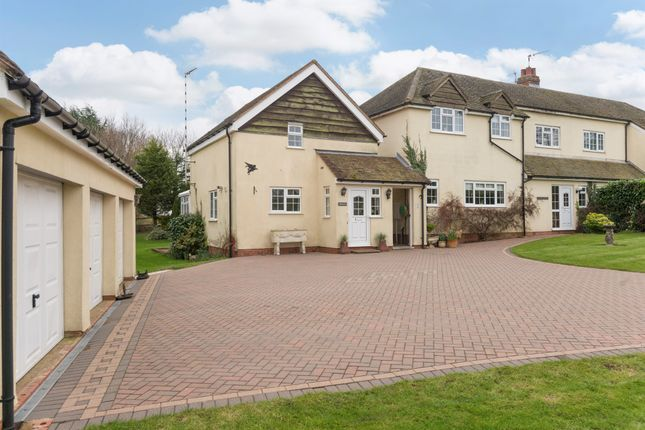 Thumbnail Cottage for sale in Snitterfield Lane, Norton Lindsey, Warwick