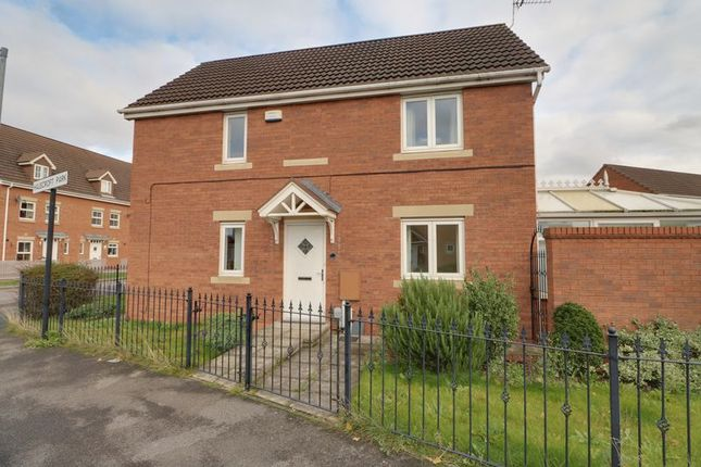 End terrace house to rent in Halecroft Park, Kingswood, Hull