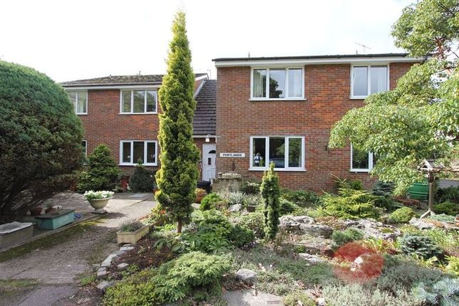 Thumbnail Flat to rent in Oxford Road, Gerrards Cross