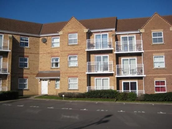 2 bed flat to rent in Kilderkin Court, Coventry