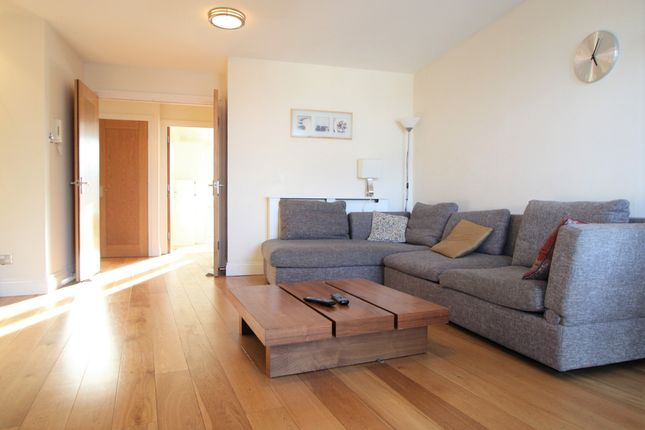 Thumbnail Flat to rent in Palgrave Gardens, London