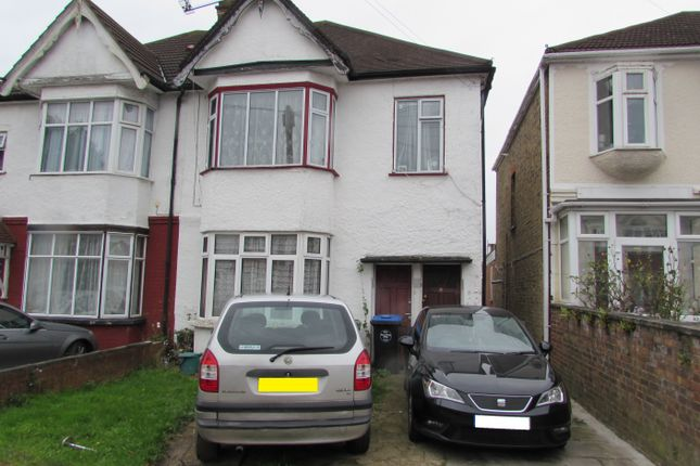 Thumbnail Maisonette for sale in Scarle Road, Wembley