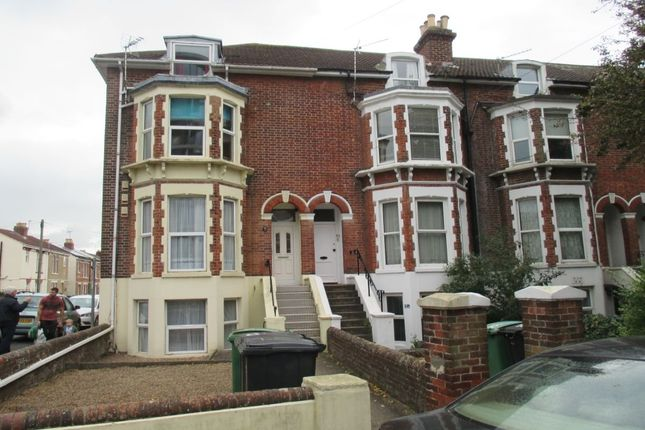 Thumbnail Flat to rent in Portsmouth Road, Cosham, Portsmouth