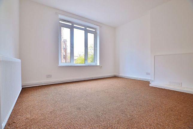 Thumbnail Flat to rent in Morning Lane, London