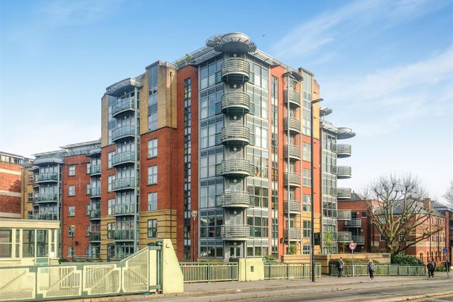Thumbnail Flat for sale in Redcliff Backs, Redcliffe, Bristol