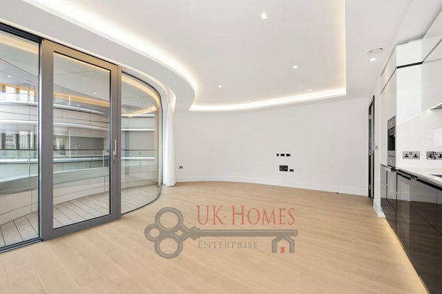Nice Flat For Sale In The Corniche, Albert Embankment, London