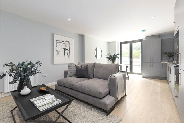 1 bed flat for sale in Merton Road, Wimbledon, London SW19