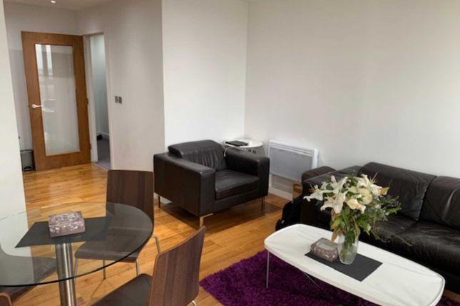 Thumbnail Flat for sale in Admiral House, Newport Road, Cardiff