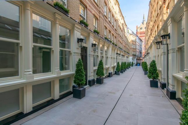 2 bed flat for sale in Dyer's Buildings, London EC1N