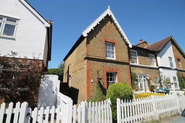 Thumbnail Property to rent in Ferry Road, Thames Ditton