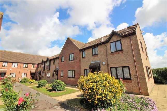 Thumbnail Flat for sale in Old Road, Clacton On Sea