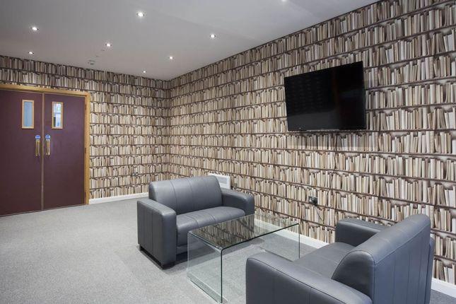 Studio To Rent In 2 Compton House Abington Street