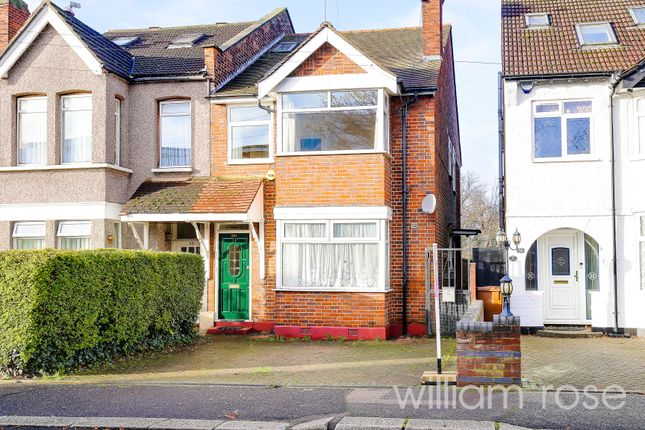 3 bed flat for sale in Heathcote Grove, Chingford, London E4