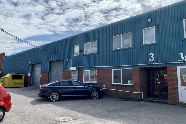Thumbnail Warehouse to let in Baron Court, Chandlers Way, Southend-On-Sea, Essex