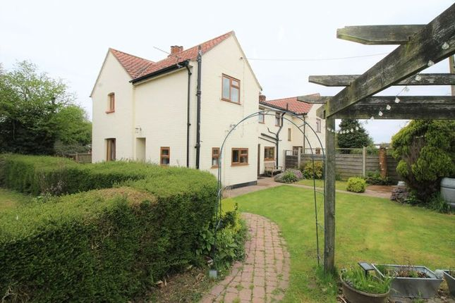 Thumbnail Cottage for sale in Oak Lodge Cottages, North Walsham Road, Norwich