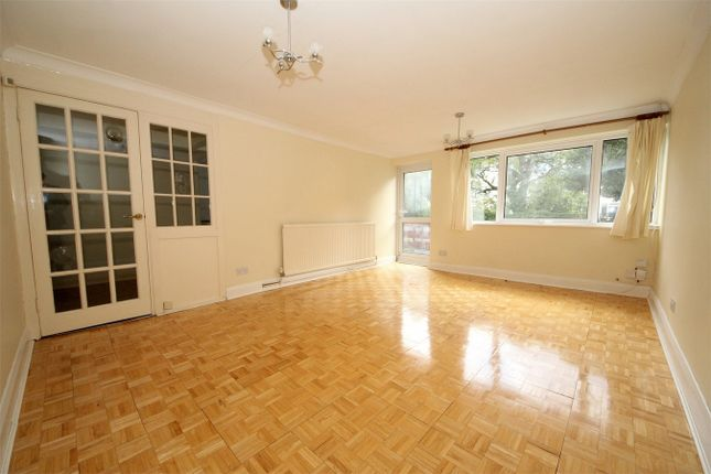 Thumbnail Maisonette to rent in Hill House Close, Church Hill, London