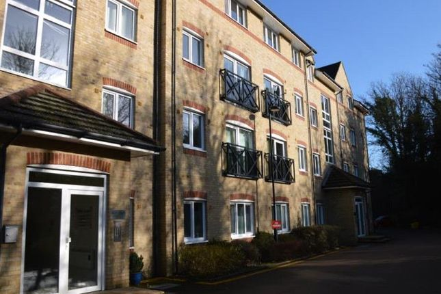 Thumbnail Flat to rent in Hardings Close, Hemel Hempstead