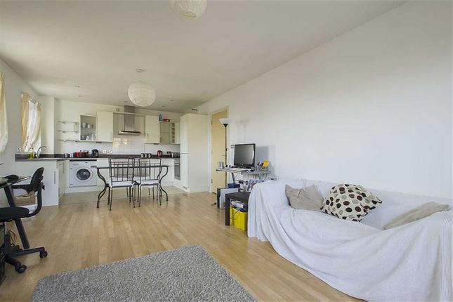 Marine house nottingham ng7 2 bedroom flat for sale for Bedroom zone nottingham