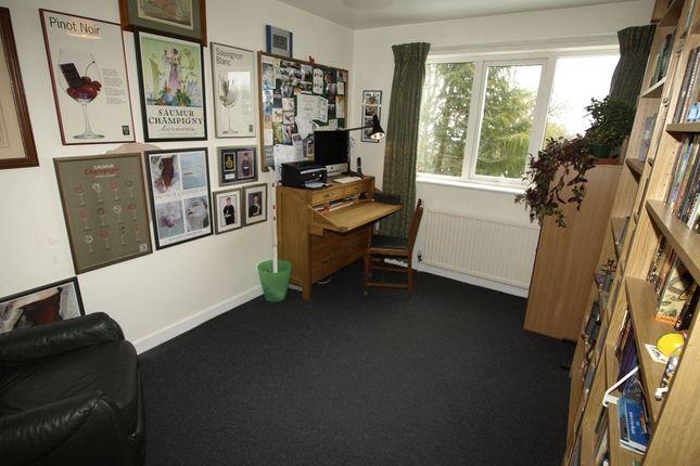 Bed 3 of Wells Mount, Upper Cumberworth, Huddersfield HD8