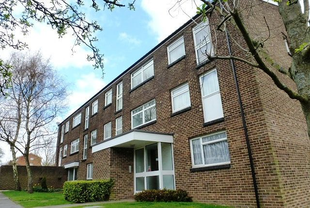 Thumbnail Property to rent in Woodpecker Mount, Pixton Way, Croydon