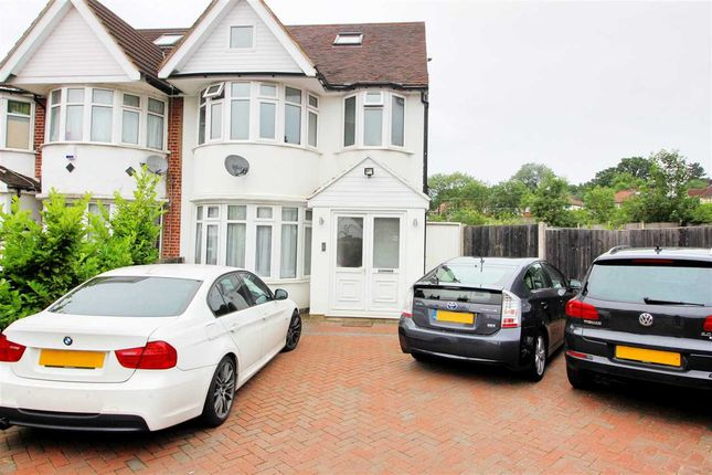 Main Picture of Maxwelton Close, Millhill, London NW7