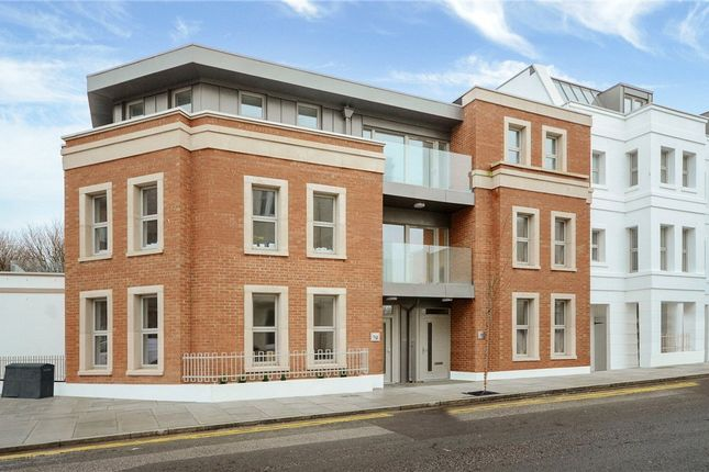 Thumbnail Flat for sale in Montpelier Place, Lansdowne Road, Hove