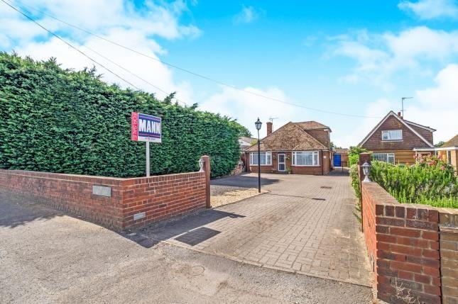 Thumbnail Bungalow for sale in London Road, Teynham, Sittingbourne, Kent