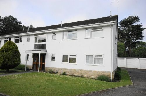 Thumbnail Flat to rent in Manor Close, Ferndown