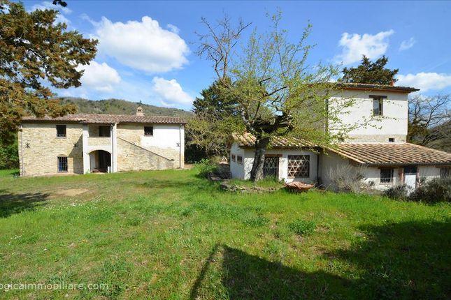 Thumbnail Farmhouse for sale in Sp201, Montone, Umbria