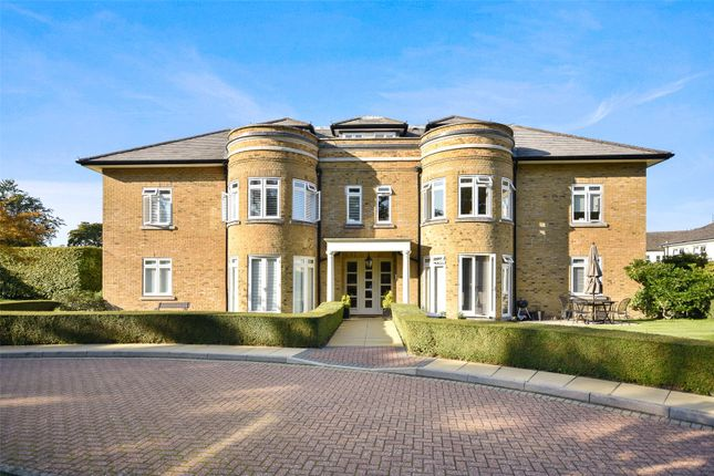 3 bed flat to rent in Knights Green, Millers Close, Chorleywood, Rickmansworth WD3