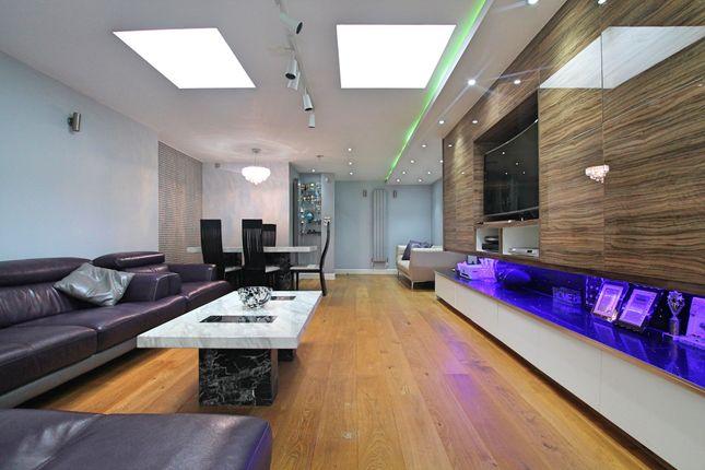 Abbotts Road, London E14